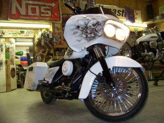 b_0_250_16777215_00_images_ClientShowcase_Justin_Nichols_Motorbike_White.jpg